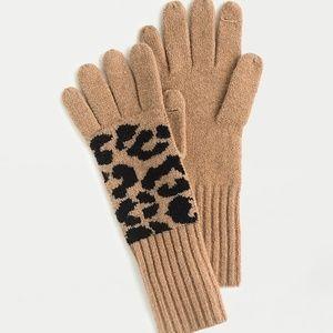 J crew supersoft yarn leopard texting gloves